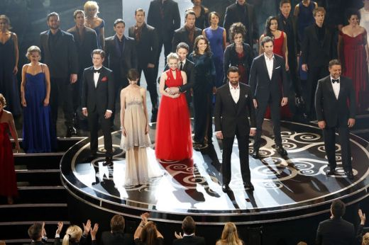 Cast of Les Miserables sings at 2013 Oscars