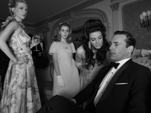 January Jones, Kiernan Shipka, Jessica Pare and Jon Hamm Mad Men Season 3